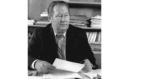 Сагымбай Козыбаев. «Тени» и зов  Анатолия Иванова